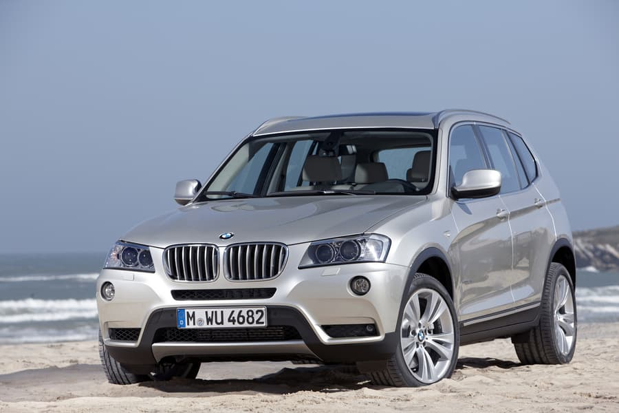 similar cars compared to a bmw x3 xdrive35i which car is right for me. Black Bedroom Furniture Sets. Home Design Ideas